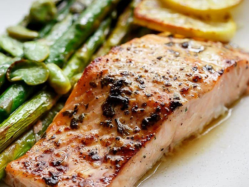 Lemon-Garlic Baked Salmon and Asparagus